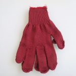 red-cotton-gloves